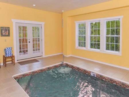 pigeon forge cabin – big bear plunge – indoor pool
