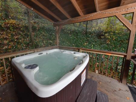 Pigeon Forge - Big Bear Retreat - Hot Tub
