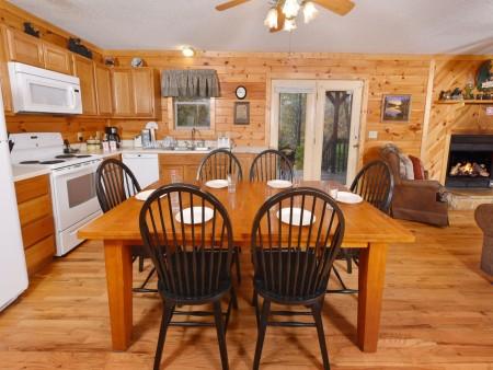 Pigeon Forge - Big Bear Retreat - Kitchen