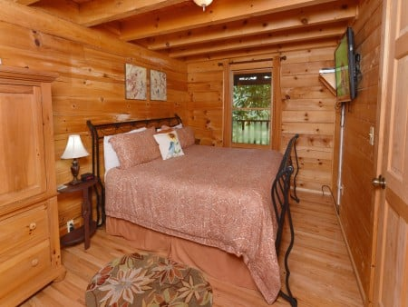 Pigeon Forge - Big Chill - Bedroom
