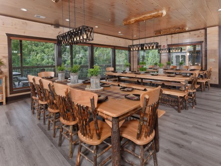 Pigeon Forge Cabin - Big Forest Lodge - Dining Room