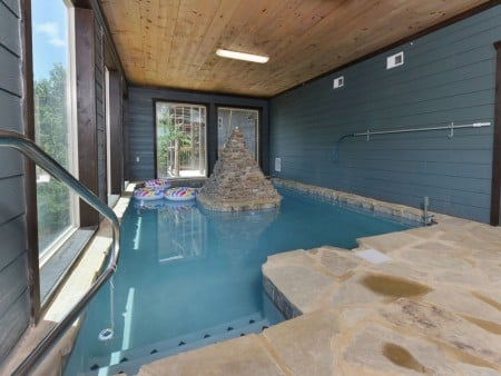Pigeon Forge Cabin - Big Forest Lodge - Indoor Pool