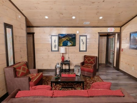Pigeon Forge Cabin - Big Forest Retreat - Rec Room
