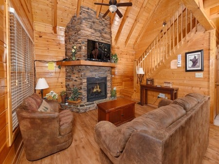 pigeon forge cabin – black bear ridge mountain views - living