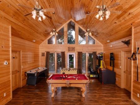 pigeon forge cabin – buckskin lodge – game room
