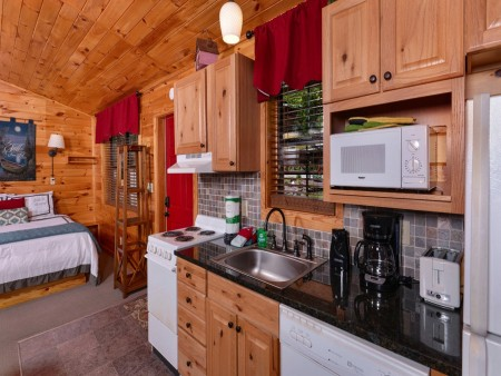 pigeon forge cabin – comforts me – kitchen