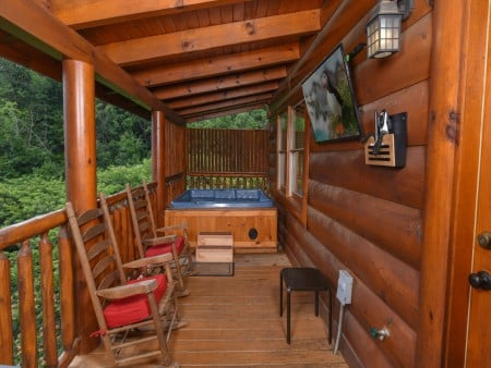 Pigeon Forge Cabin- Ever After – Hot Tub