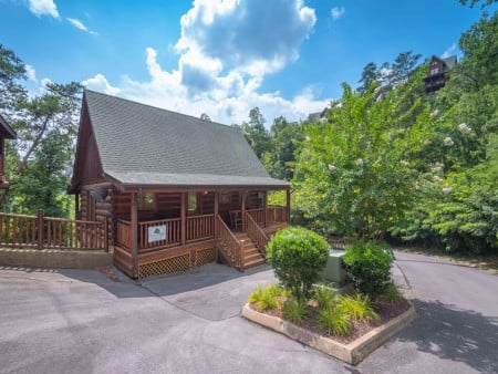 Pigeon Forge Cabin- Ever After – Exterior