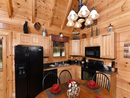 Pigeon Forge Cabin- Ever After – Kitchen