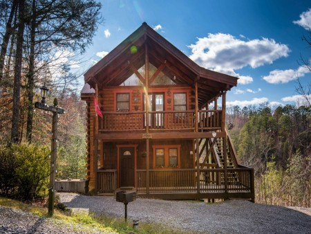 pigeon forge cabin – first flight – exterior