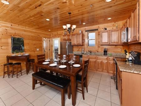 Pigeon Forge - Fitzgerald's Shamrock Chalet - Kitchen