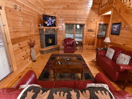 Pigeon Forge - Fitzgerald's Shamrock Chalet - Living Room