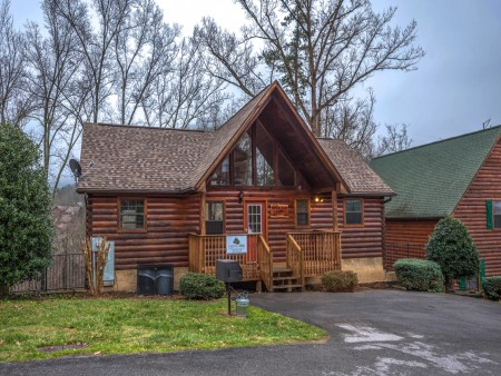 Pigeon Forge - Friendly Bear Lodge - Exterior