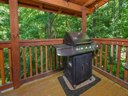 Pigeon Forge Cabin - Hiker's Hideaway - Grill