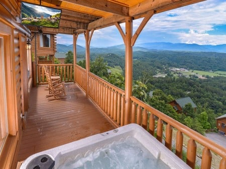 pigeon forge - legacy views and a theater - hot tub