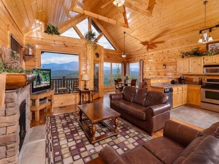 pigeon forge - legacy views and a theater - living room