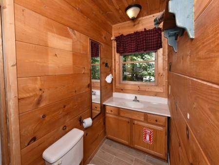 Pigeon Forge - Little Bear Lodge - Bathroom