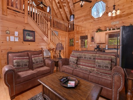 Pigeon Forge - Lucky Enough - living room