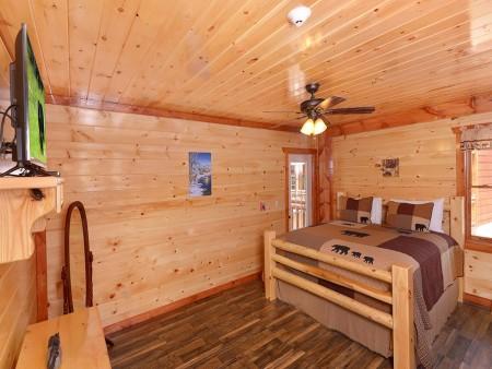 Pigeon Forge - Majestic Lodge - bedroom