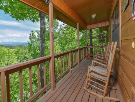 Pigeon Forge Cabin - Serenity - Deck