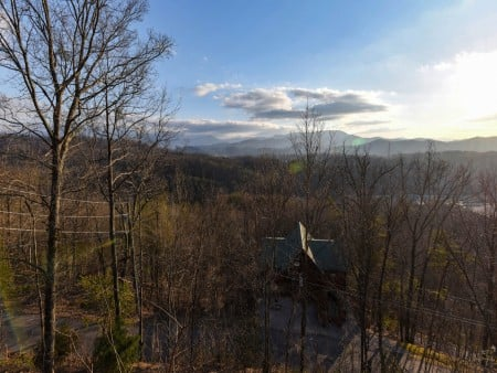 Pigeon Forge - Smoky View On the Rocks - View