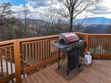 Pigeon Forge - Smoky View On the Rocks - Deck Grill
