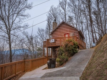 Pigeon Forge - Smoky View On the Rocks - Exterior & Driveway