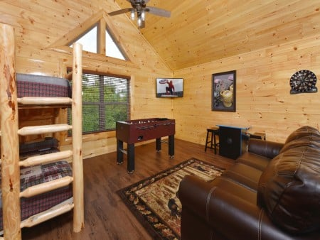 Pigeon Forge Cabin - Splash N' More - Rec Room