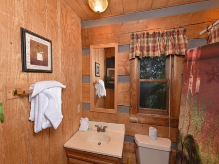 Pigeon Forge - Tranquility - Bathroom