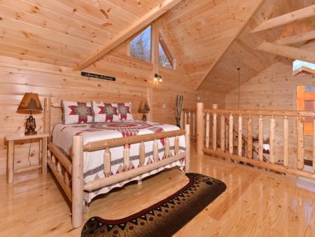 Pigeon Forge - Highland Plunge - Loft Bedroom