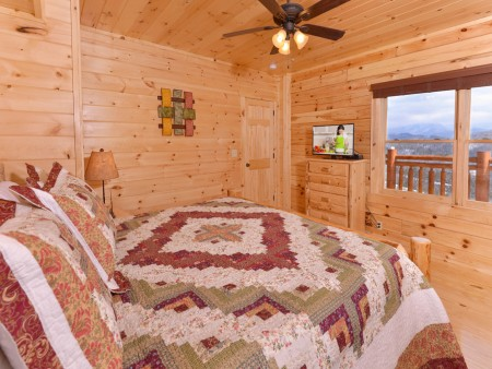 Pigeon Forge - Highland Plunge - Bedroom Two