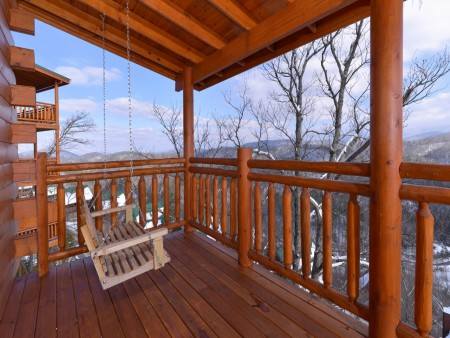 Pigeon Forge - Highland Plunge - Deck Winter View