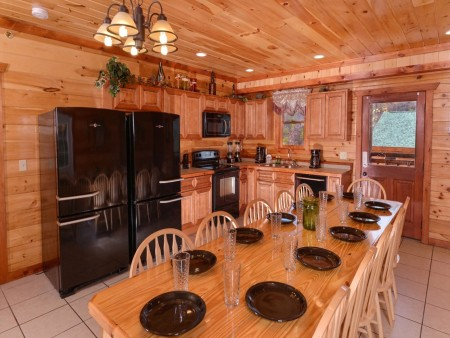 Pigeon Forge Cabin- Jennie's Cove - Dining Area