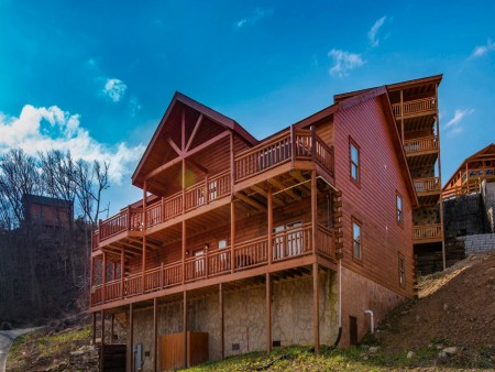 Pigeon Forge Cabin- Jennie's Cove - Exterior