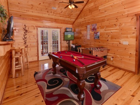 Pigeon Forge Cabin- Jennie's Cove - Pool Table