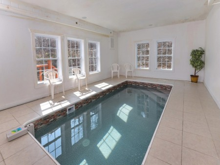 Pigeon Forge Cabin- Jennie's Cove - Private Indoor Pool