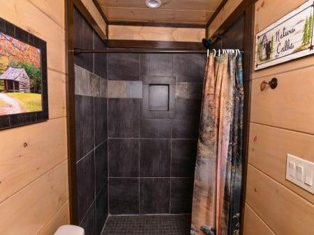 Pigeon Forge - Luxury Lodge - Bathroom