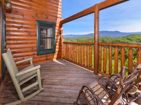 Pigeon Forge Cabin- Mt. LeConte Views Lodge – Deck View