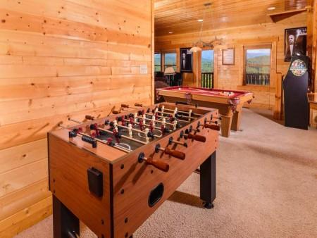Pigeon Forge Cabin- Mt. LeConte Views Lodge – Fooseball Table