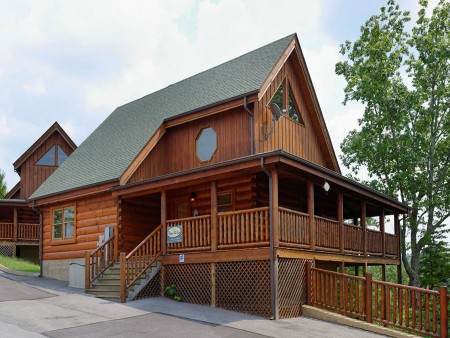 Pigeon Forge Cabin- Oh Yea – Exterior