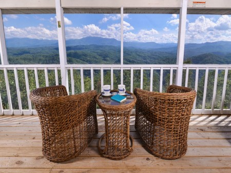 Pigeon Forge Cabin- Over The Top – Deck Patio