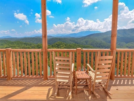 Pigeon Forge Cabin- Paradise Peak – Rocking Chairs View