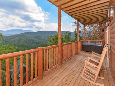 Pigeon Forge Cabin- Paradise Peak – Outdoor Hot Tub