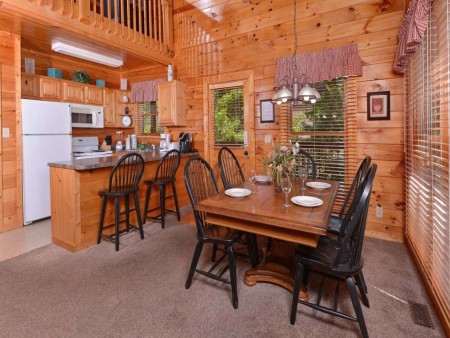 Pigeon Forge - Sherwood Sanctuary - Dining Room