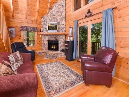 Pigeon Forge - A Smoky Mountain Rose - Living Room