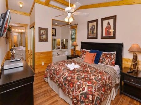 Pigeon Forge - Traveler's Rest - Bedroom 1
