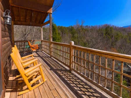 Wild Turkey Lodge Covered Deck