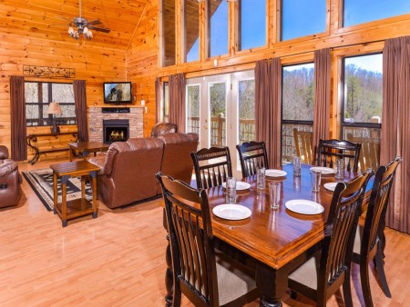 Wild Turkey Lodge Dining Room