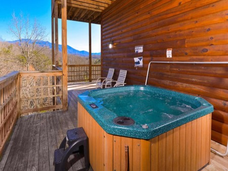 Wild Turkey Lodge Hot Tub