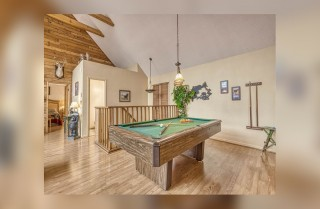 Gatlinburg - Bears With Us - Pool Table